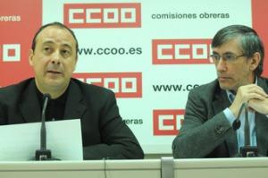 Carlos Bravo y Fernando Puig-Samper en la presentación del Informe sobre el Gasto sanitario en España