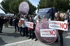 La ciudadanía en contra de la aplicación del céntimo sanitario