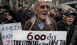 La población griega en contra de los recortes en sanidad